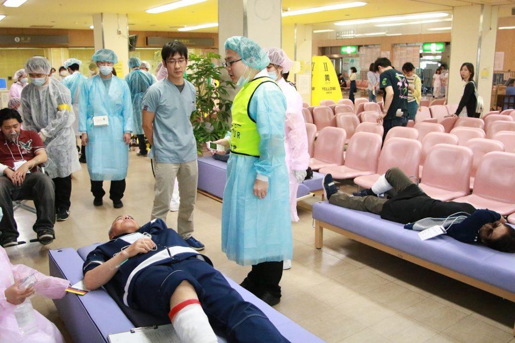 負傷者の重症度の確認の写真