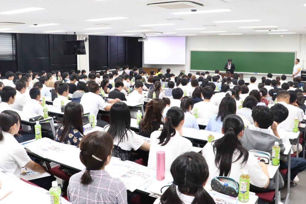 【教育学部】中村和彦 学部長の挨拶
