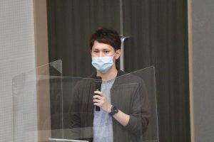 大阪府の現状や医療体制について報告する山本看護師